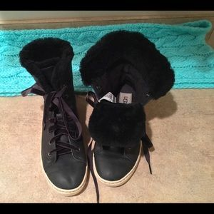 Ugg lined sneakers